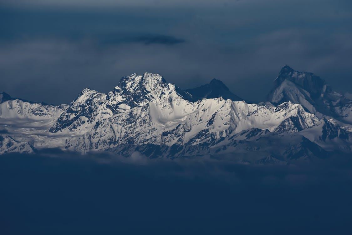 berg, bergtop, besneeuwd
