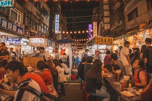 亞洲人, 人群, 吃, 城市 的 免费素材照片