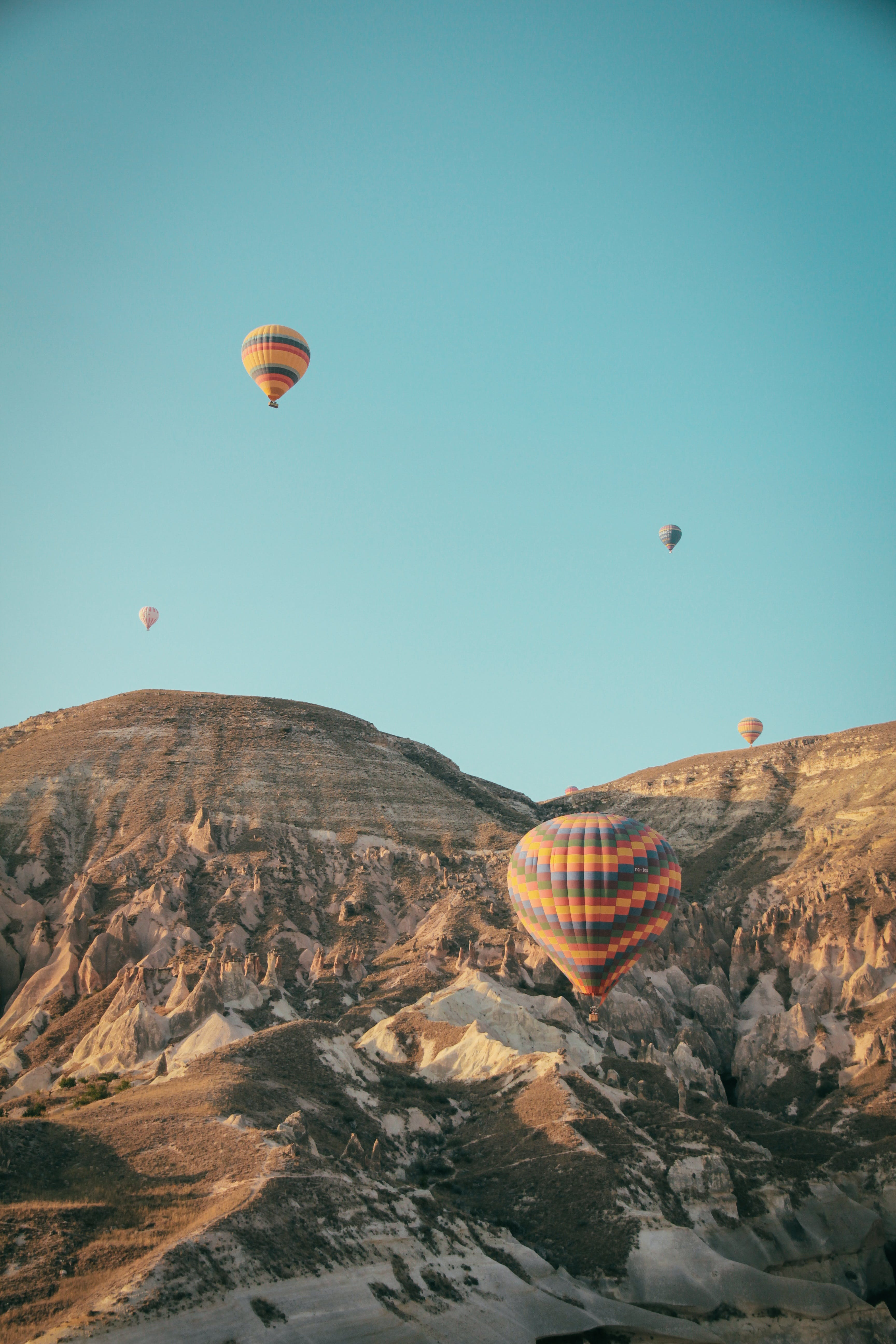 Gratis lagerfoto af balloner, bjerg, flyrejse, landskab