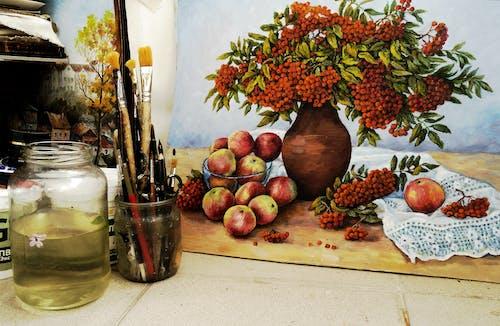 Безкоштовне стокове фото на тему «банка, малярство, мистецтво, пензлі для фарби»