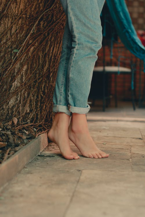 Kostenloses Stock Foto zu barfuß, füße, tipp zehen