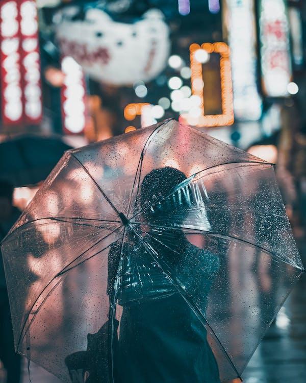 carrer, dona, paraigua