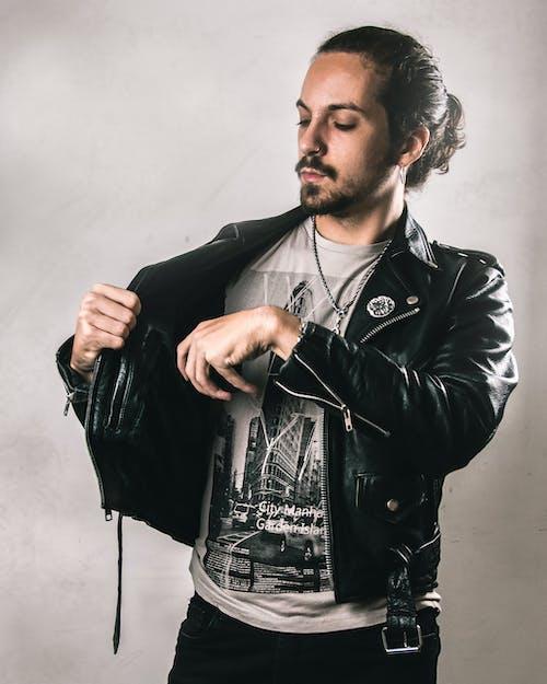 20-25歲的男人, 冷靜的人, 搖滾樂迷, 樣式 的 免費圖庫相片