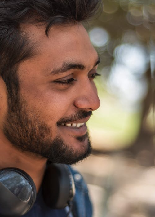 Foto stok gratis anak laki-laki India, bokeh, jantan, tersenyum