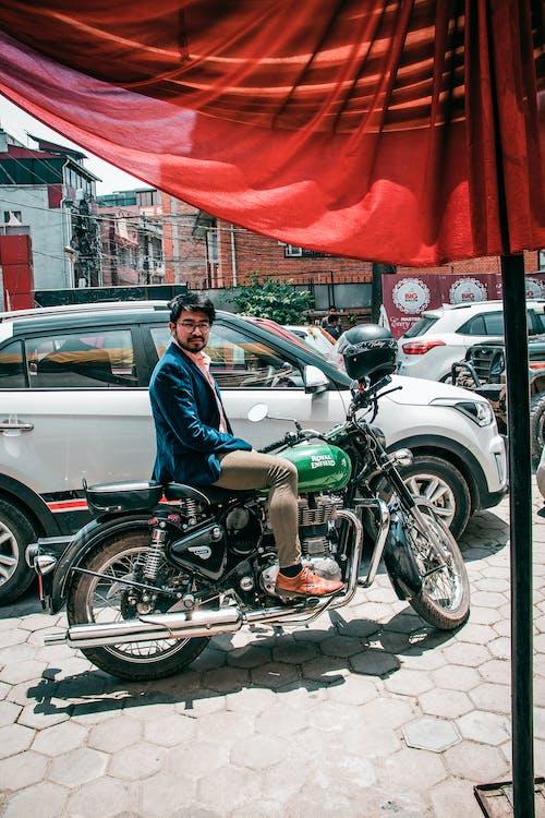 Gratis arkivbilde med asiatisk gutt, gutt], kathmandu, motorsykkel