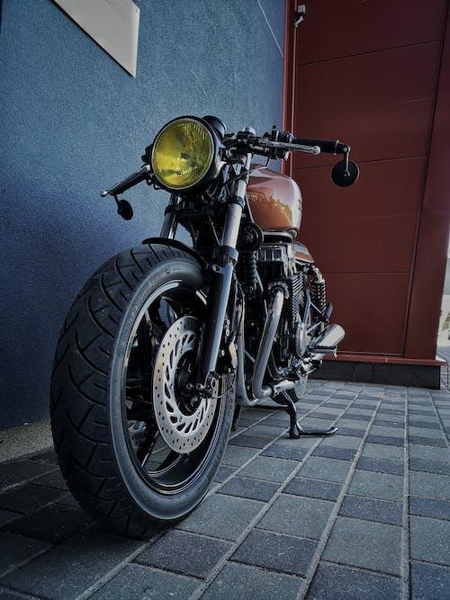 Darmowe zdjęcie z galerii z honda, rower, staromodny, łotwa