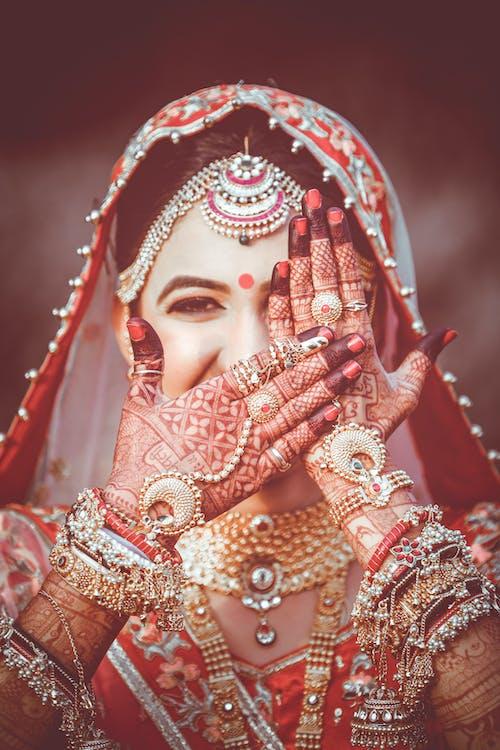Immagine gratuita di arte, cultura, donna, gioielli