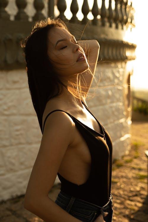 감은 눈, 그림, 긴 머리, 모델의 무료 스톡 사진