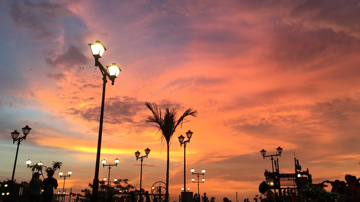 傍晚的太陽, 晴朗的天空, 美在自然中