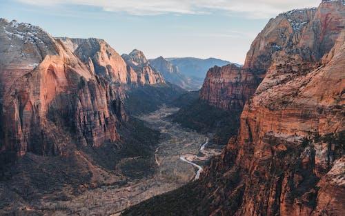 açık hava, balıklama dalmak, çöl, dağ içeren Ücretsiz stok fotoğraf