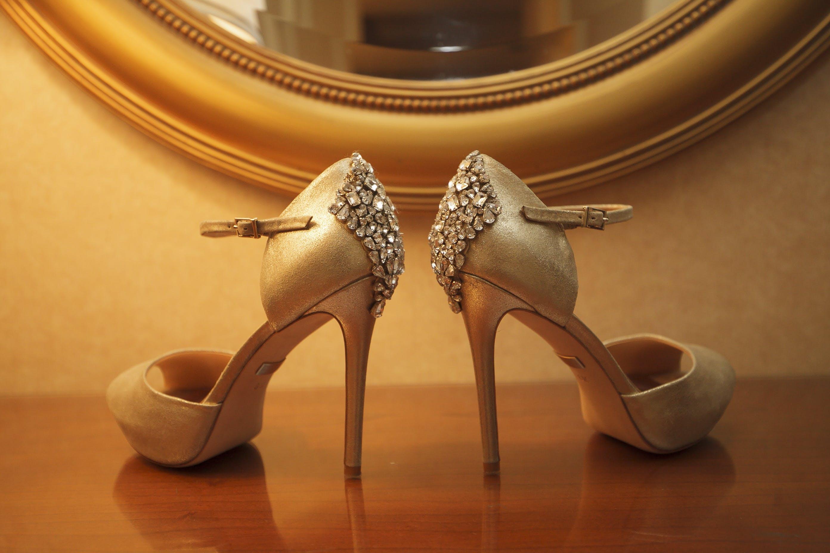 Gratis lagerfoto af bling, bryllup hæle, bryllup høje hæle, bryllupsko