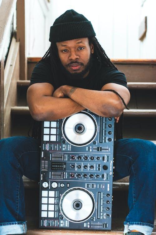 DJ, DJ混音器, 人, 儀器 的 免费素材照片