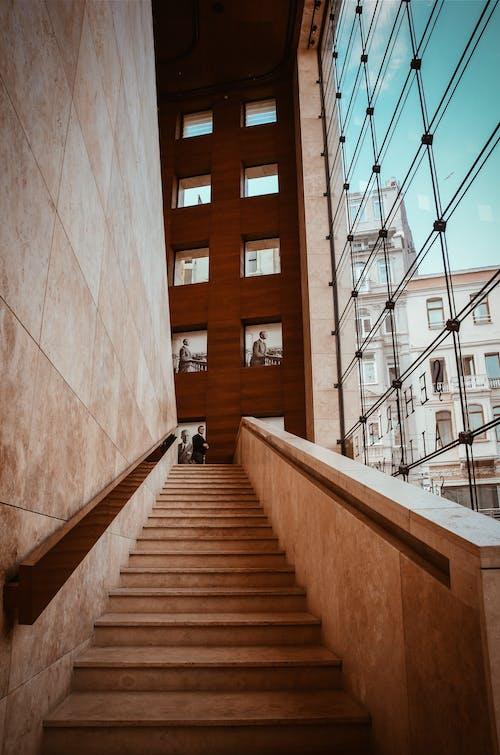 Foto stok gratis Arsitektur, bangunan, dalam ruangan, dinding