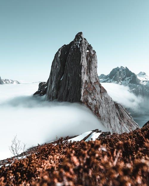 Gratis stockfoto met avontuur, beklimmen, berg, bergtop
