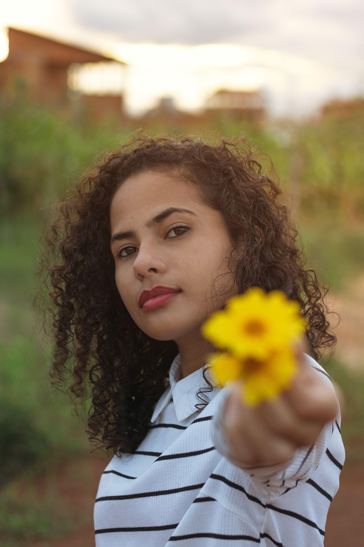 Základová fotografie zdarma na téma dospělý, holka, léto, lidé