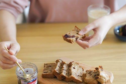 Fotobanka sbezplatnými fotkami na tému prestávka, raňajky, ruka