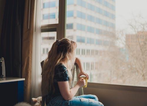 Foto d'estoc gratuïta de beguda, cafè, casa, dona