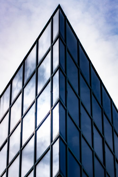 Foto profissional grátis de arquitetura, arranha-céu, artigos de vidro, construção