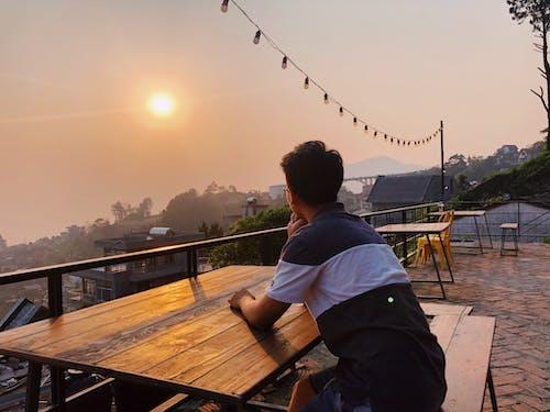 Ingyenes stockfotó Férfi, hajnal, nap, Napkelte témában