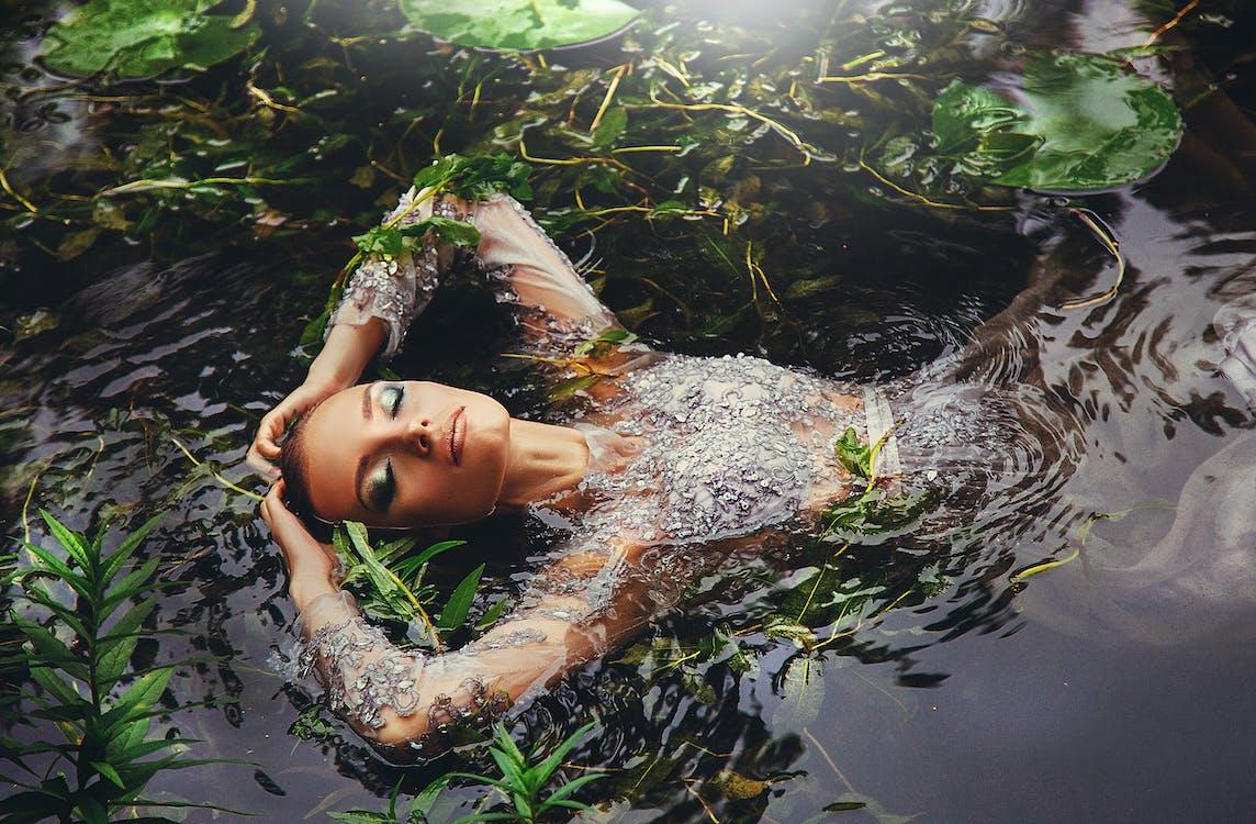 badan air, gaun, kaum wanita