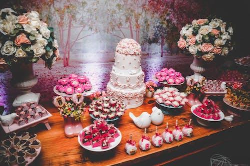 お菓子, ケーキ, デザート, デザートテーブルの無料の写真素材