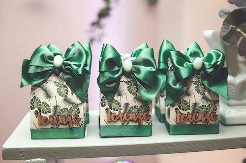 armağanlar, hatıra, hediye, kutular içeren Ücretsiz stok fotoğraf