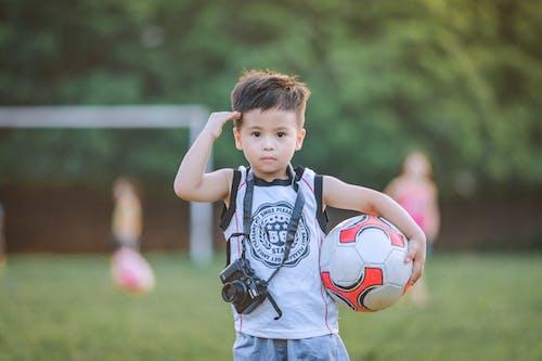 Gratis lagerfoto af barn, bold, Dreng, fodbold