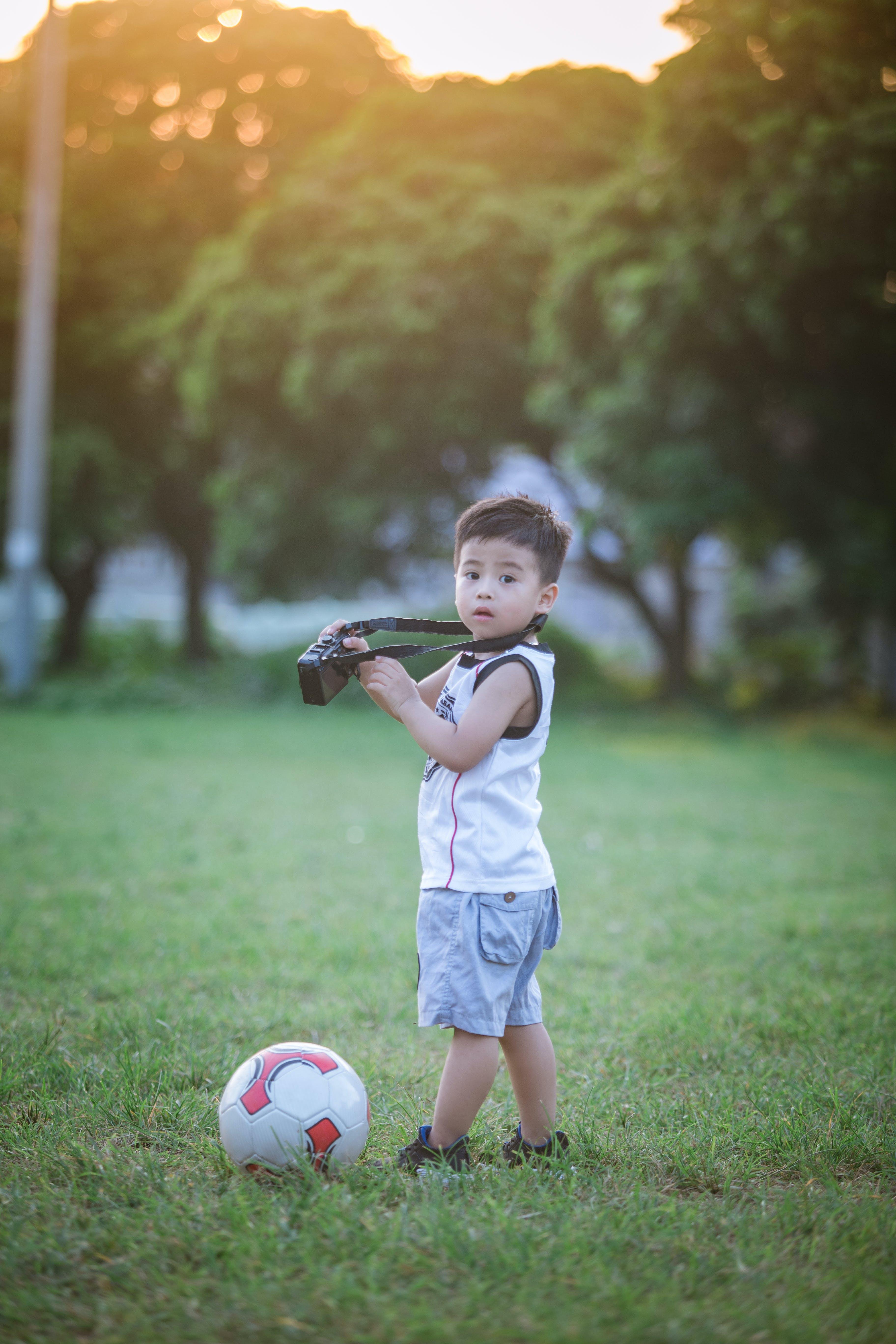 Foto d'estoc gratuïta de bola, bufó, infant, innocència