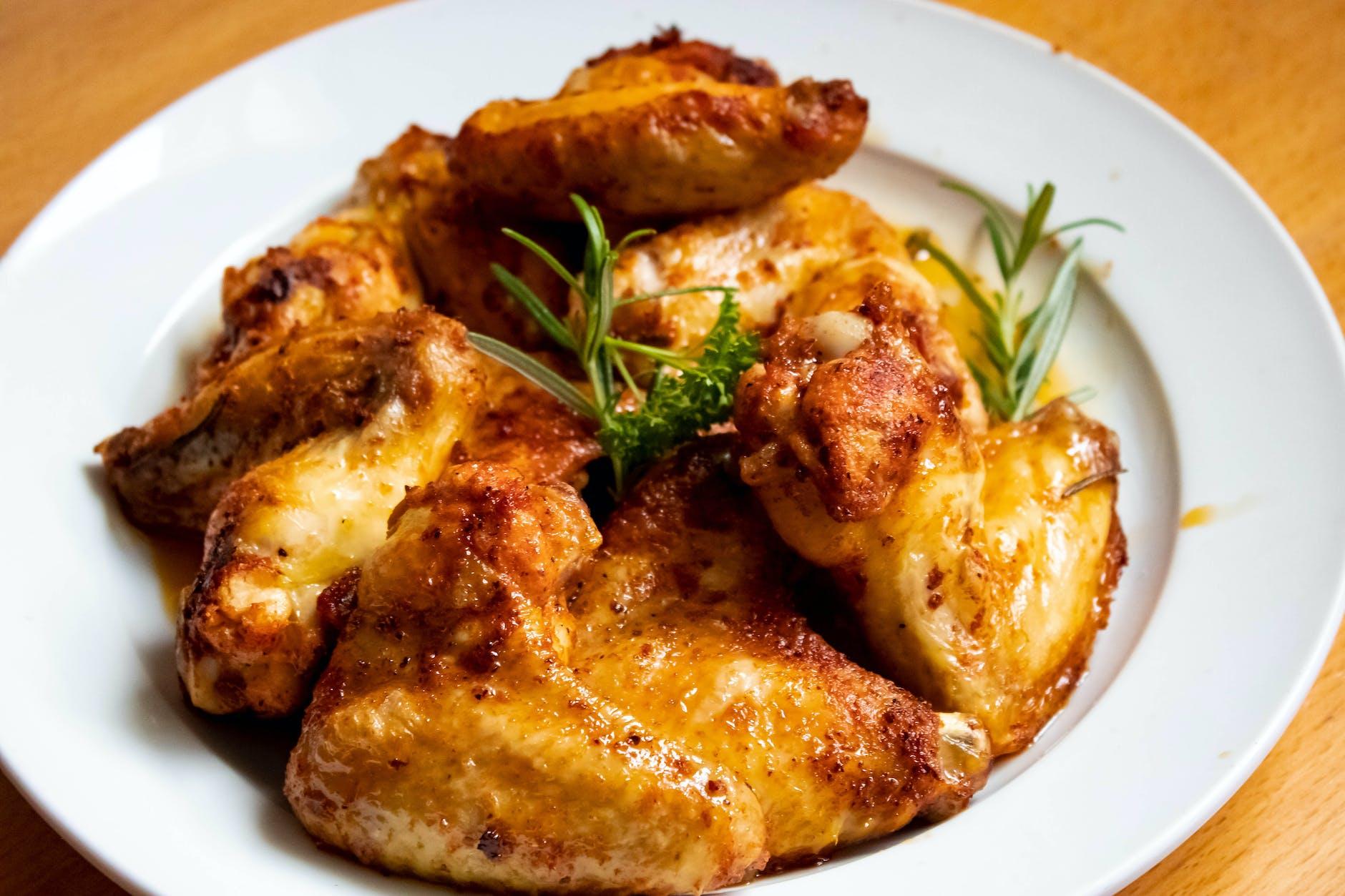 gunakan garam dan baking soda ketika memasak sayap ayam