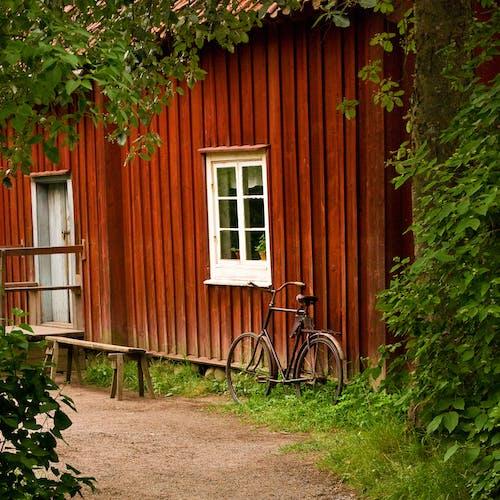 Darmowe zdjęcie z galerii z chata, czerwony, dom, kraj