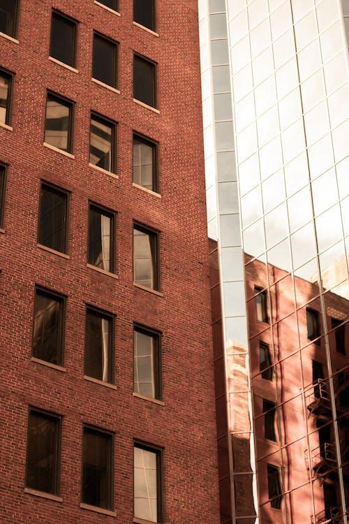 Fotobanka sbezplatnými fotkami na tému apartmán, architektonický dizajn, architektúra, budova skla