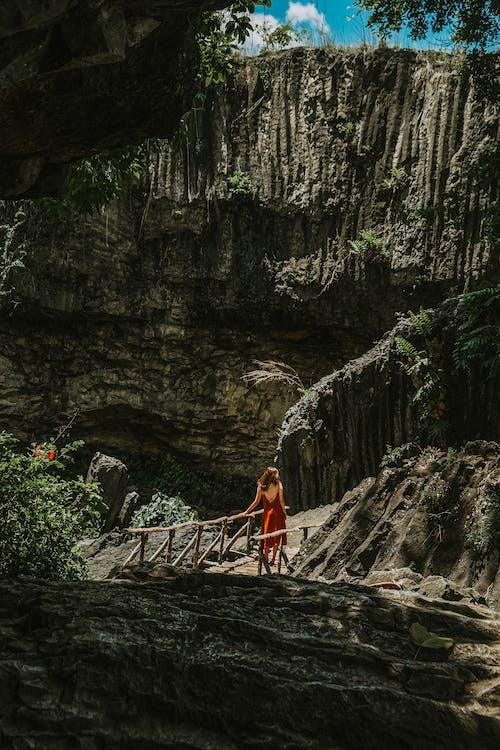 Gratis lagerfoto af Asien, bjerg, bro, dagslys