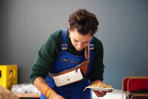 Základová fotografie zdarma na téma jídlo, nosit, osoba, žena