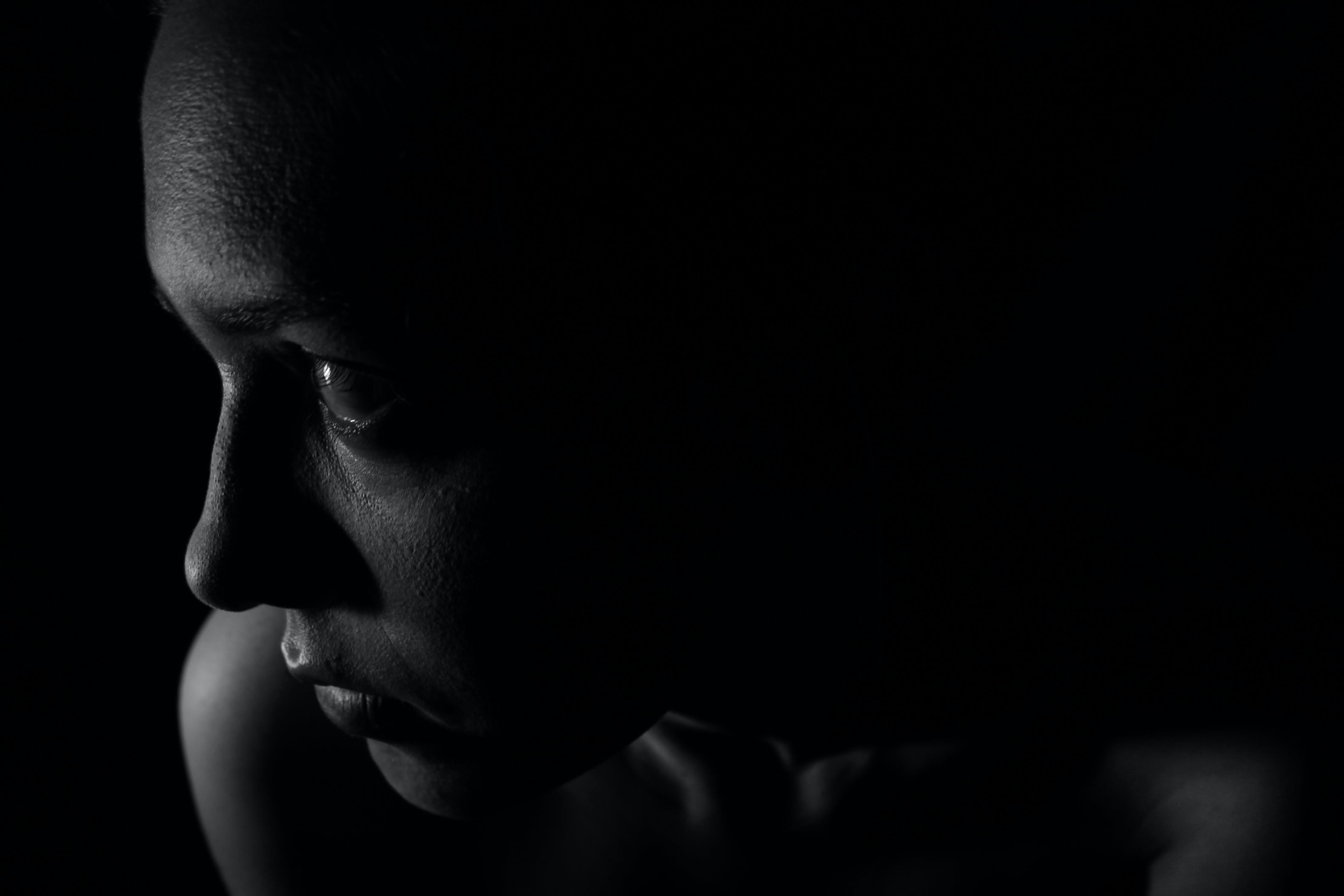 Imagine de stoc gratuită din alb-negru, fată, femeie, închis la culoare