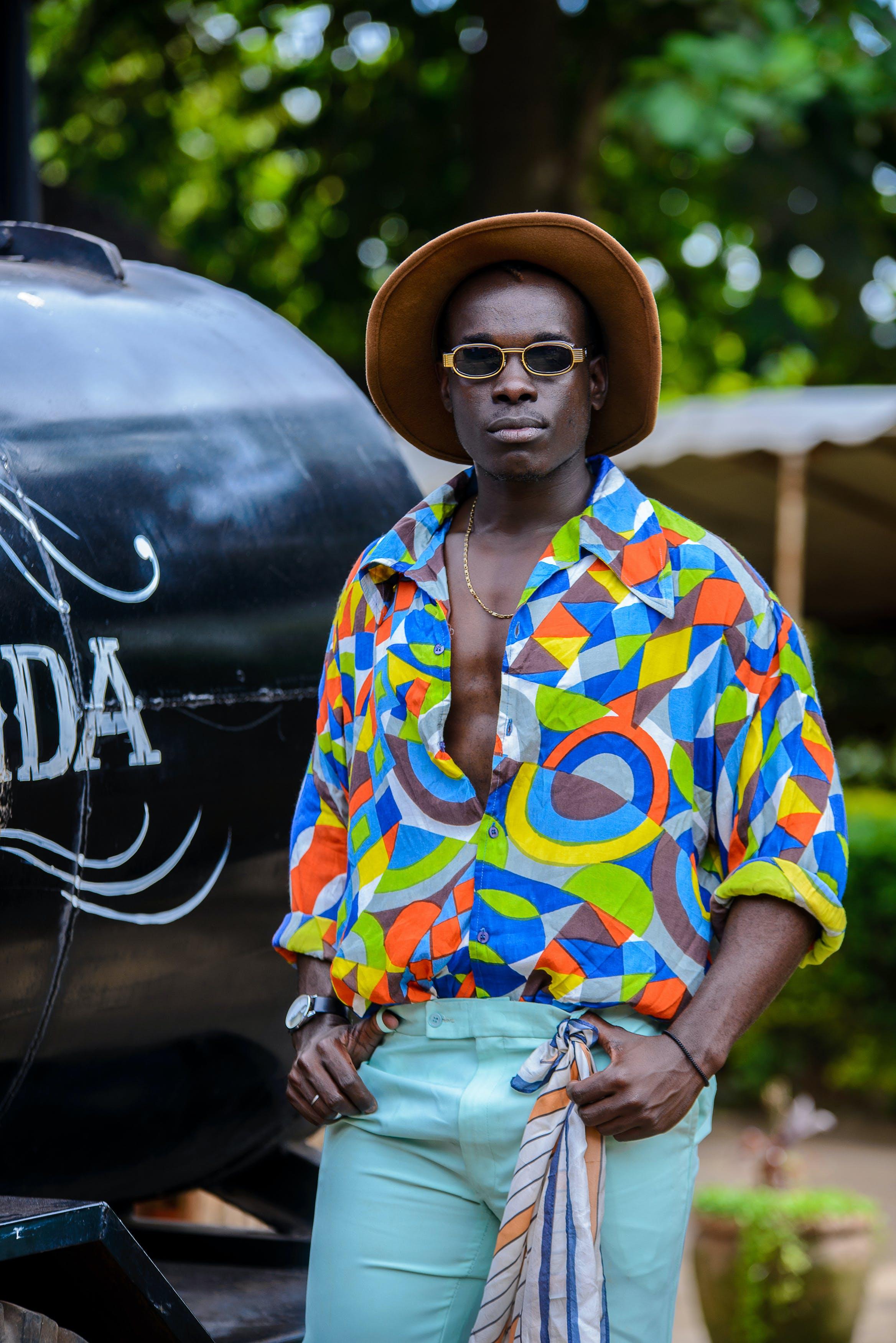 Ilmainen kuvapankkikuva tunnisteilla afrikkalainen mies, aikuinen, asu, aurinkolasit