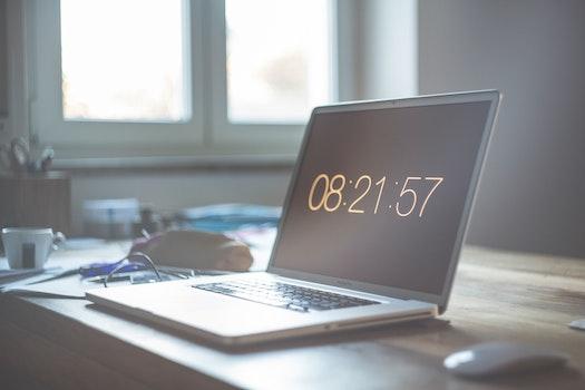 Grey Laptop Computer Set at 08:21:57