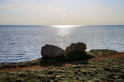 Foto stok gratis batu, biru, garis pantai, laut