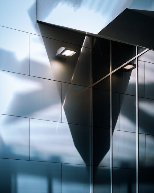 Foto d'estoc gratuïta de a l'aire lliure, arquitectura moderna, brillant, cel