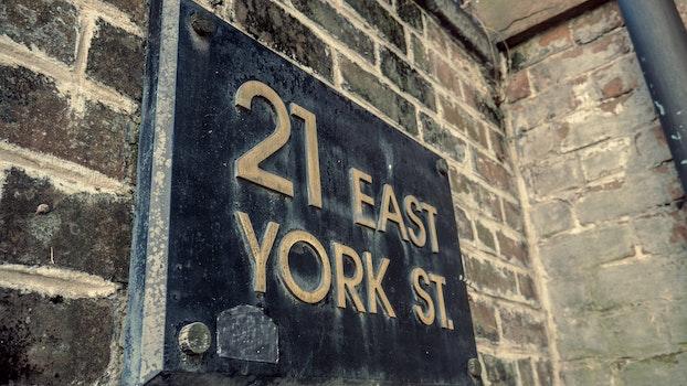 21 East York Street