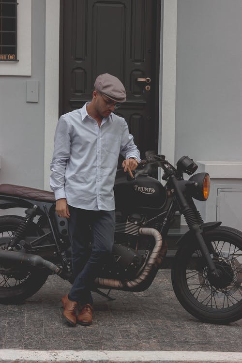 erkek, motorlu bisiklet, portre fotoğrafı, seyahat içeren Ücretsiz stok fotoğraf