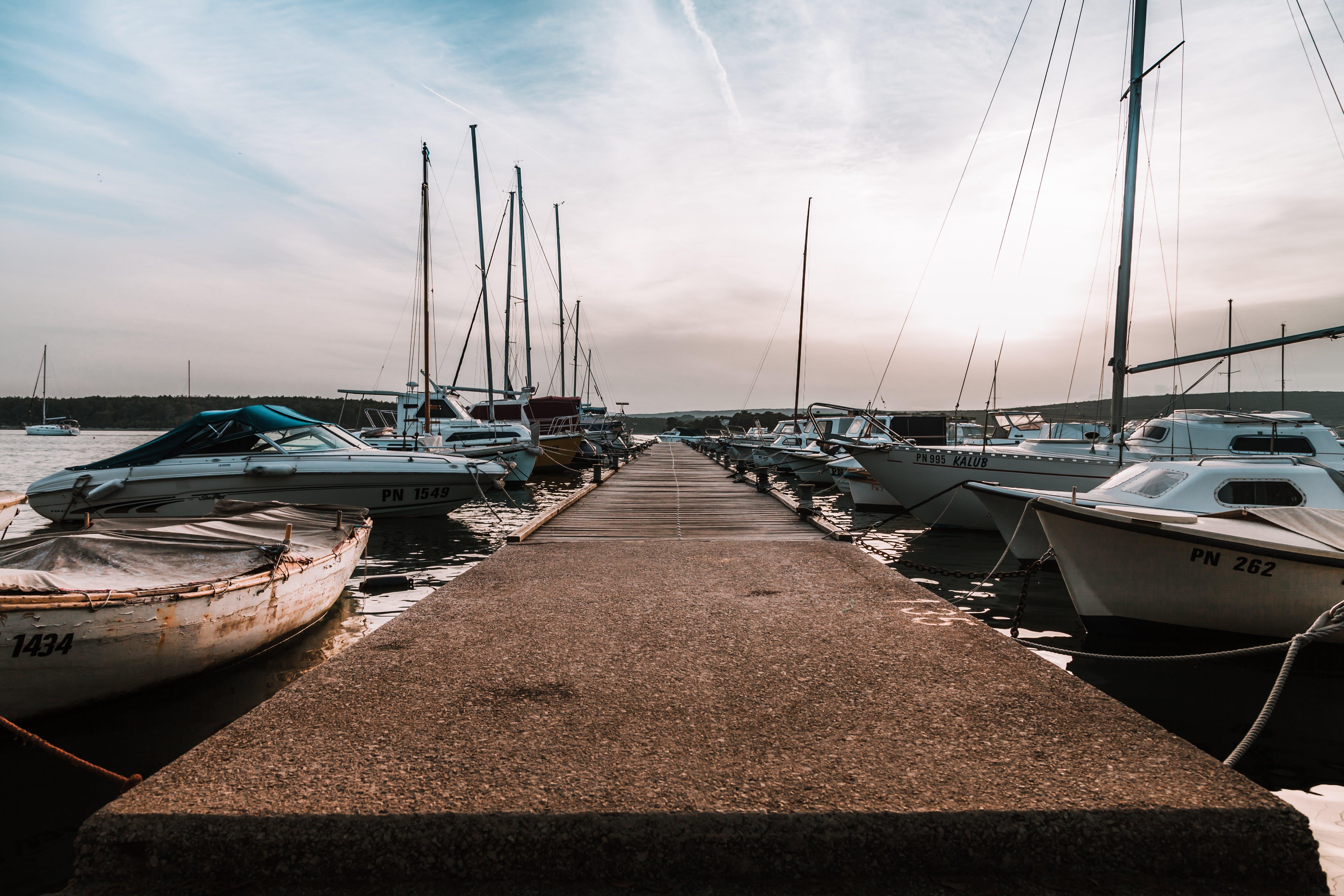 คลังภาพถ่ายฟรี ของ ที่จอดเรือ, ระบบการขนส่ง, สะพานเทียบเรือ, เรือ