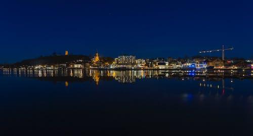 Gratis stockfoto met avondlucht, blauw water, stadszicht