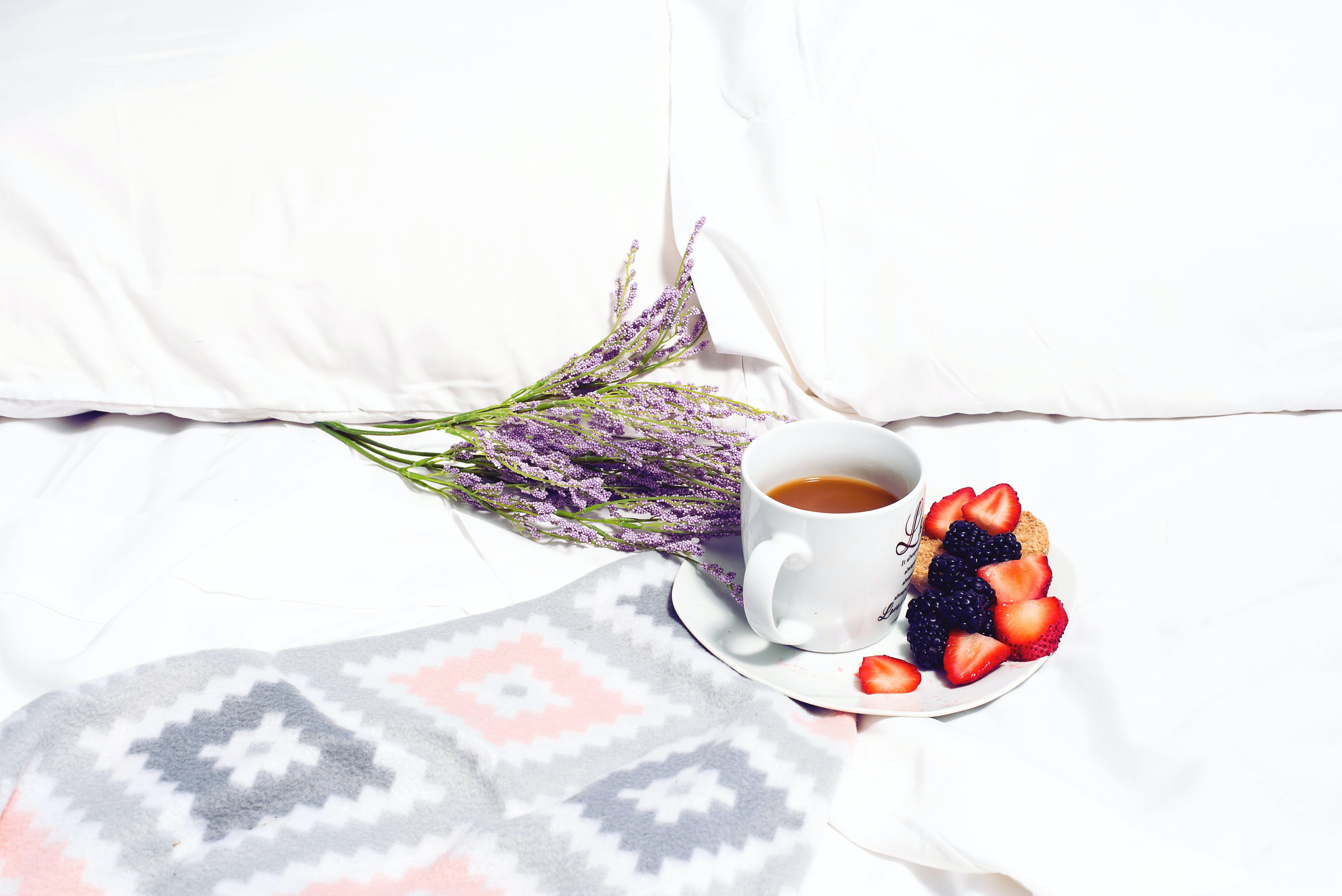 Ingyenes stockfotó ágy, blackberry telefonok, bögre, csésze témában