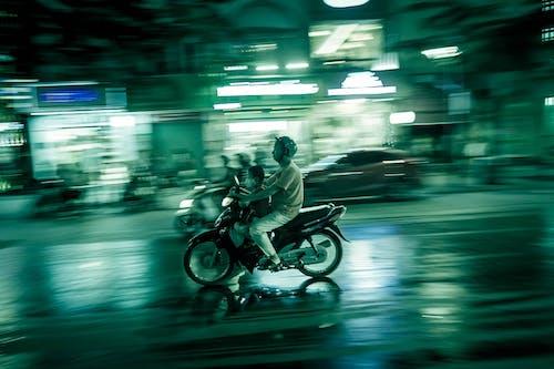 Gratis arkivbilde med gatelys, mennesker, trafikk, vietnamesisk