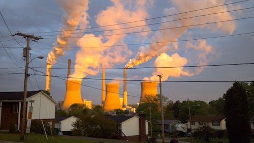 Free stock photo of coal power plant, houses, residental, steam
