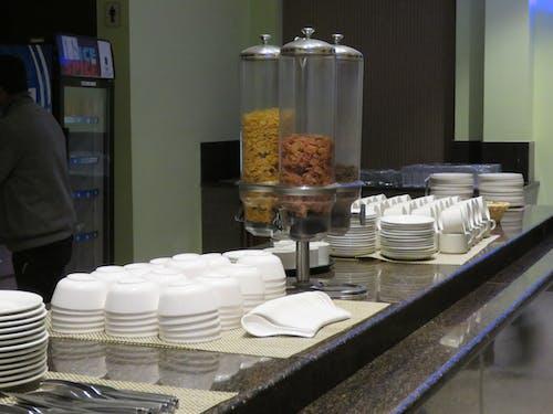 Gratis lagerfoto af buffet, finere madlavning, køkken, spisebord