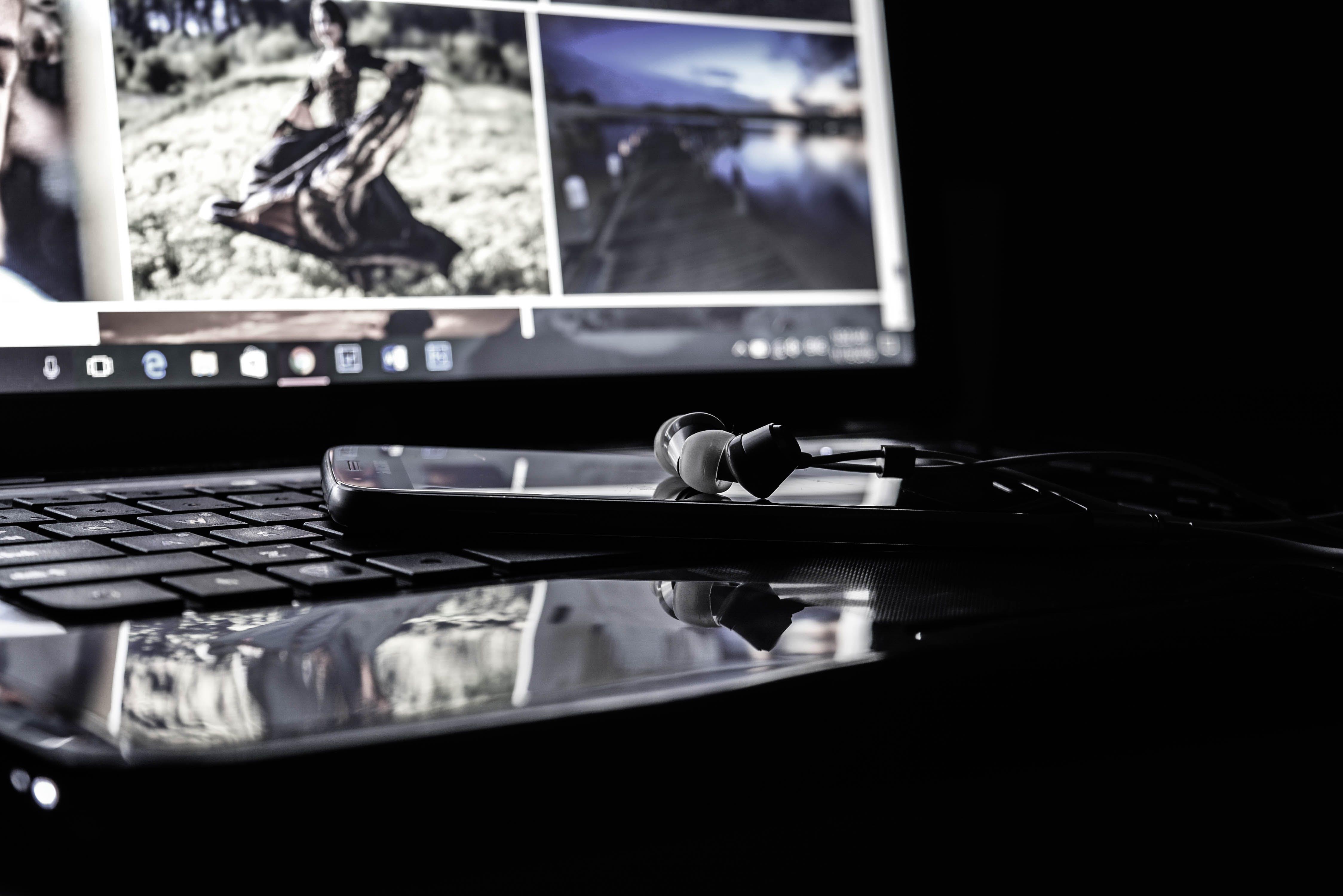 Безкоштовне стокове фото на тему «Інтернет, відображення, варан, всередині»