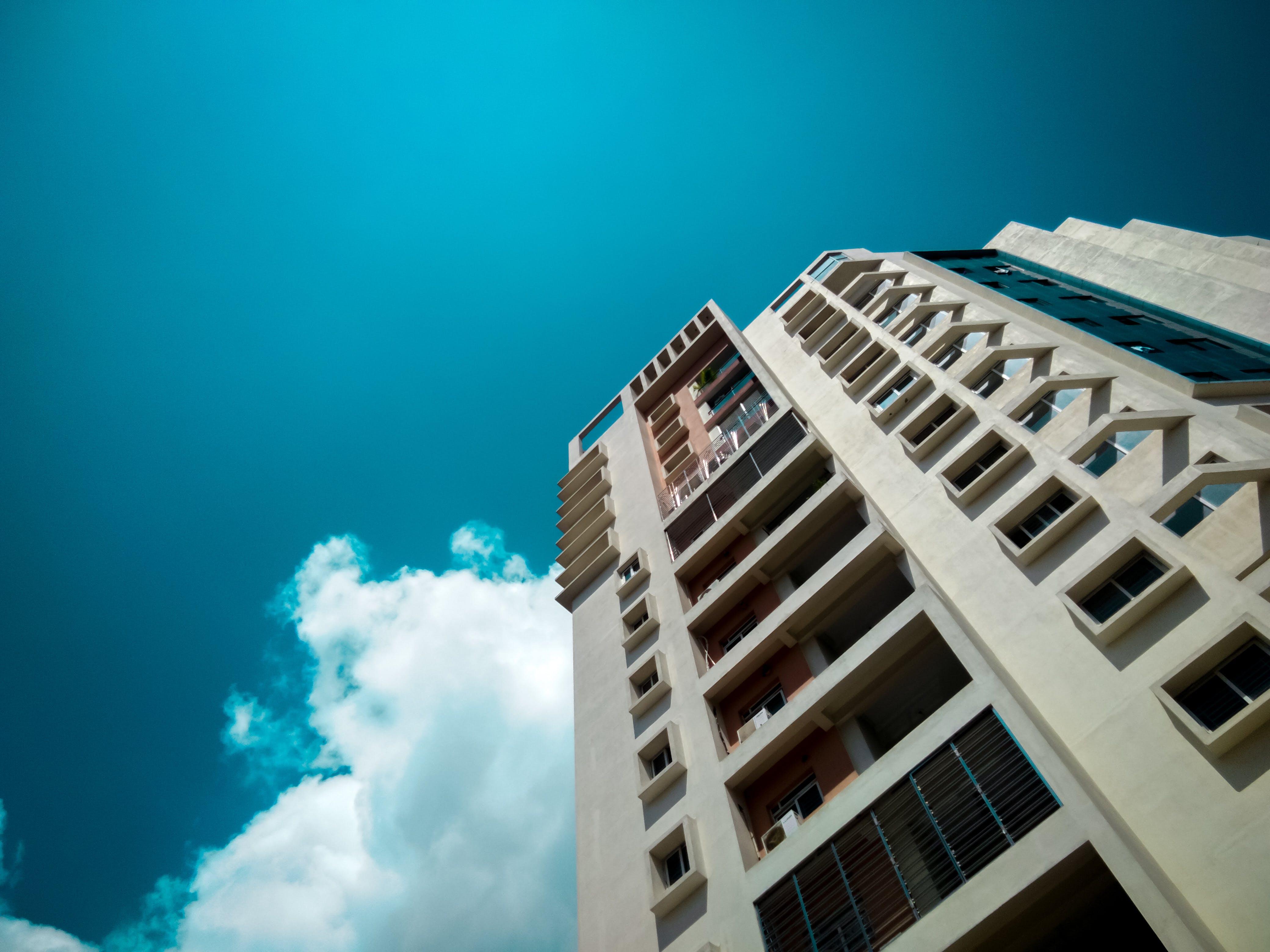 Δωρεάν στοκ φωτογραφιών με mobilephotography, αστική άποψη, κτήριο, κτίριο διαμερισμάτων