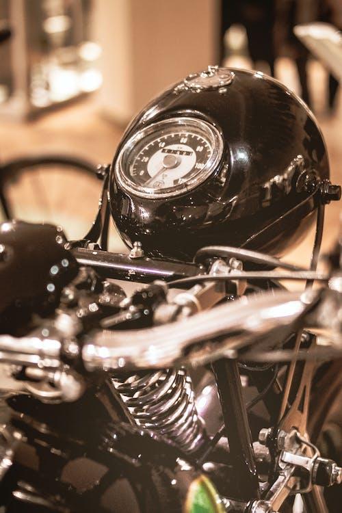 Ilmainen kuvapankkikuva tunnisteilla moottori, moottoripyörä, moottoriurheilu, Vintage