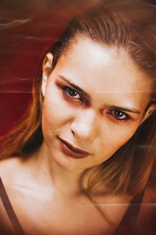 Gratis arkivbilde med alvorlig, ansikt, ansiktsuttrykk, attraktiv